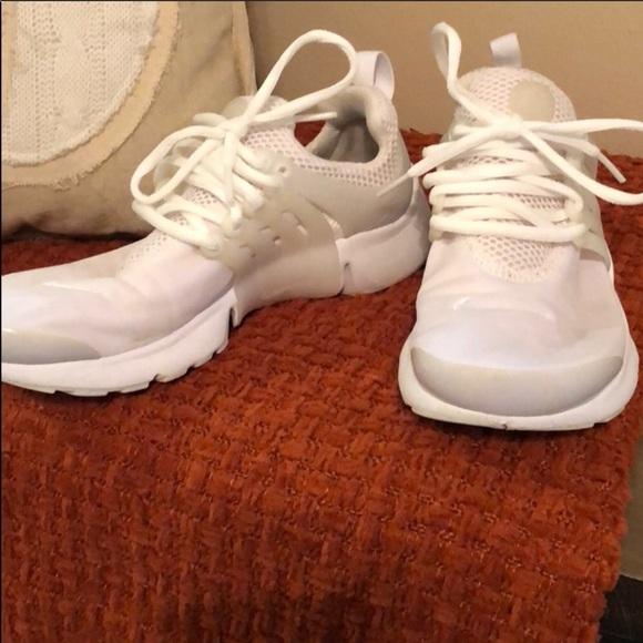 pretty nice 3202c 2f729 Nike Tennis Shoes. M 5bd360cf12cd4a7210c6ff49